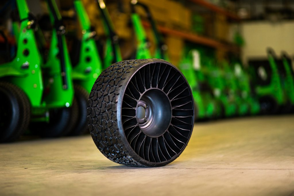 Michelin Airless Turf Tires A Time And Sanity Saving